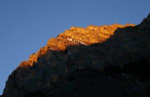 primo sole illumina la cima del Bersaio