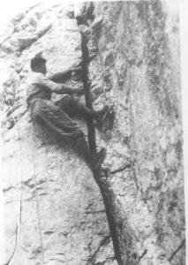 Giusto Gervasutti, salita di fessura con tecnica dülfer